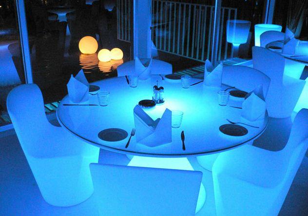 Tavoli Luminosi Da Esterno.Slide Tavolo Rotondo Luminoso Ed Myareadesign It
