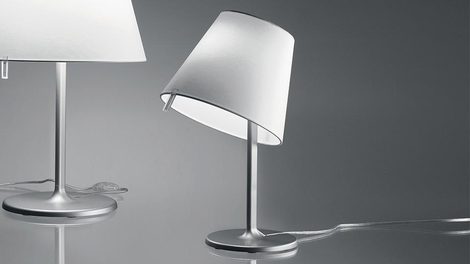 Artemide lampada da tavolo melampo notte diffusore ecrù
