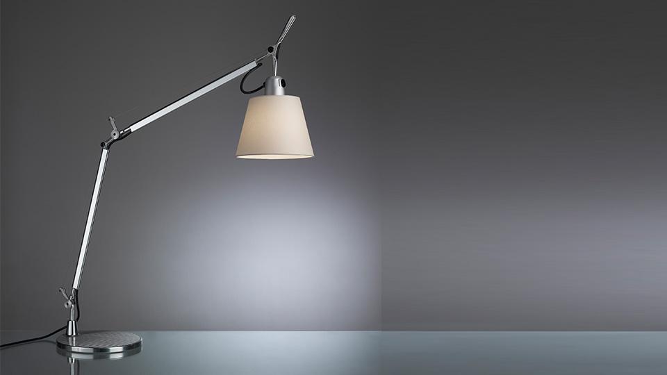 Artemide lampada da tavolo tolomeo basculante - Lampada da tavolo tolomeo ...