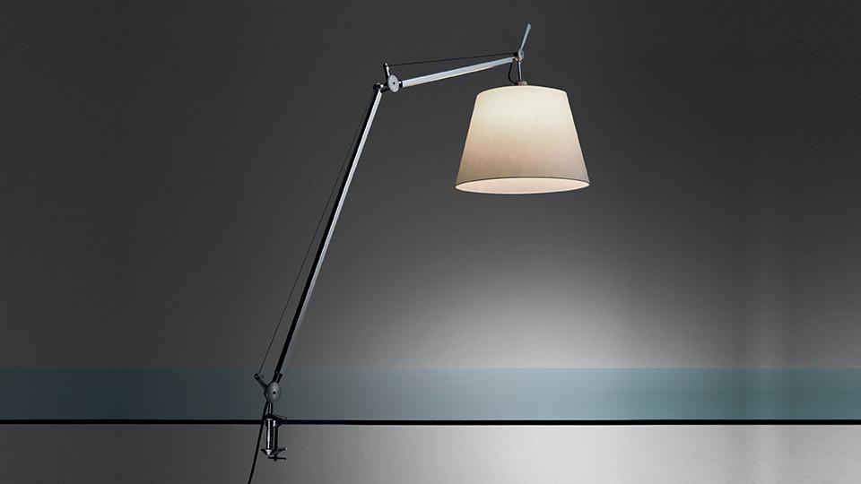 Artemide lampada da tavolo tolomeo mega led con supporto fisso per scrivania - Lampada da tavolo tolomeo ...