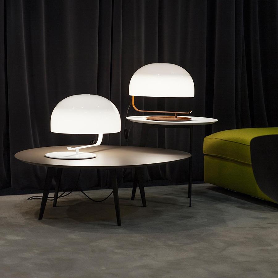 oluce lampada da tavolo zanuso bianco perspex e metallo. Black Bedroom Furniture Sets. Home Design Ideas