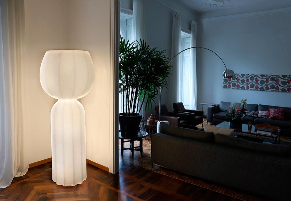 Slide lampada da terra cucun per interni polietilene con finitura